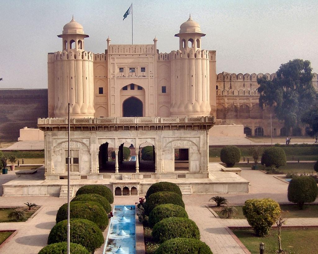 Pakistan sightseeing tour